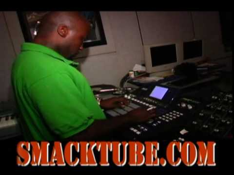Havoc (Mobb Deep) making a beat