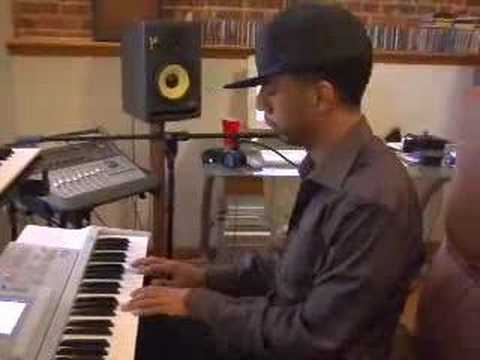 Ryan Leslie making a beat