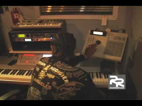 Zaytoven making a beat
